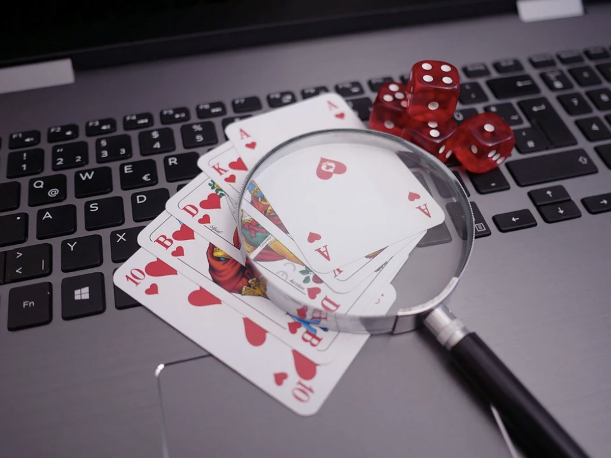 How to Know if an Online Casino is Real or a Fraudster